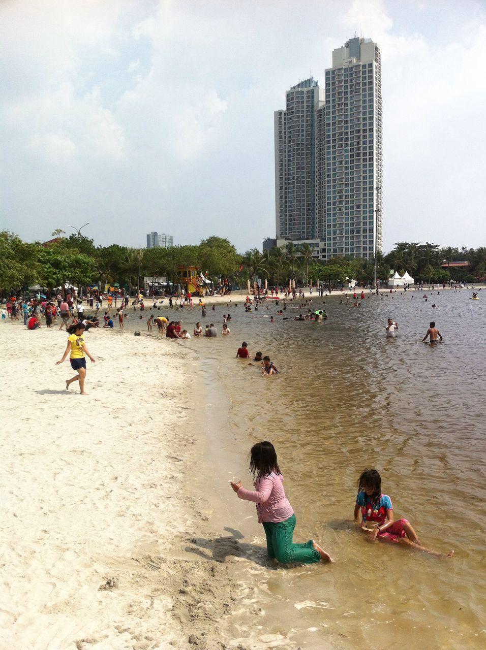 Pantai Ancol Jakarta Sehari Menjelang Lebaran Vibizmedia Com