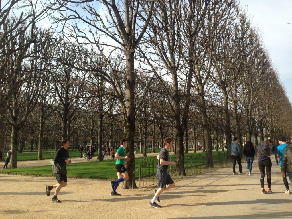 Berolah raga lari pagi di taman Jardin du Luxembourg-Paris (Photo: Fanny Sue/ Vibizmedia.com)