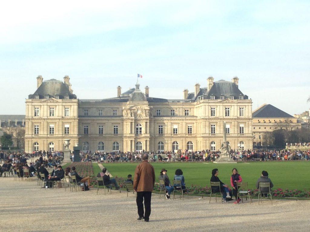 Suasana sekitar Jardin du Luxembourg-Paris (Photo: Fanny Sue/ Vibizmedia.com)