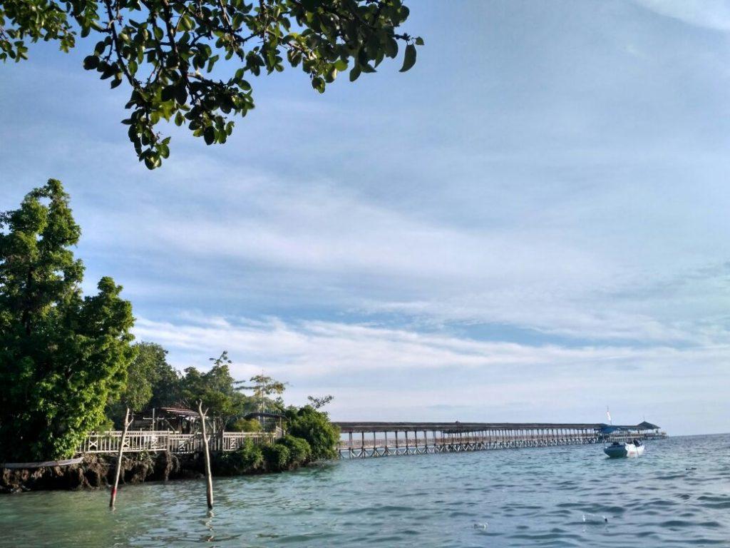 Indahnya Pantai Karampuang Mamuju, Sulbar (Photo: Lenny Maria/ Vibizmedia.com)