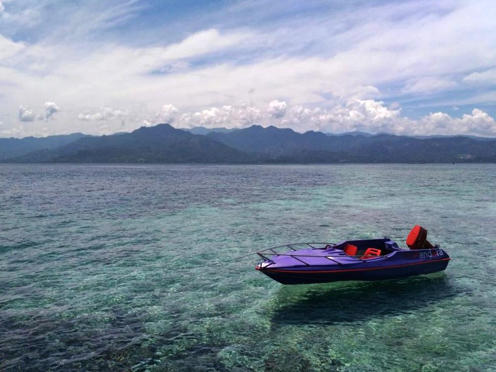 Pantai Pulau Karampuang di Mamuju