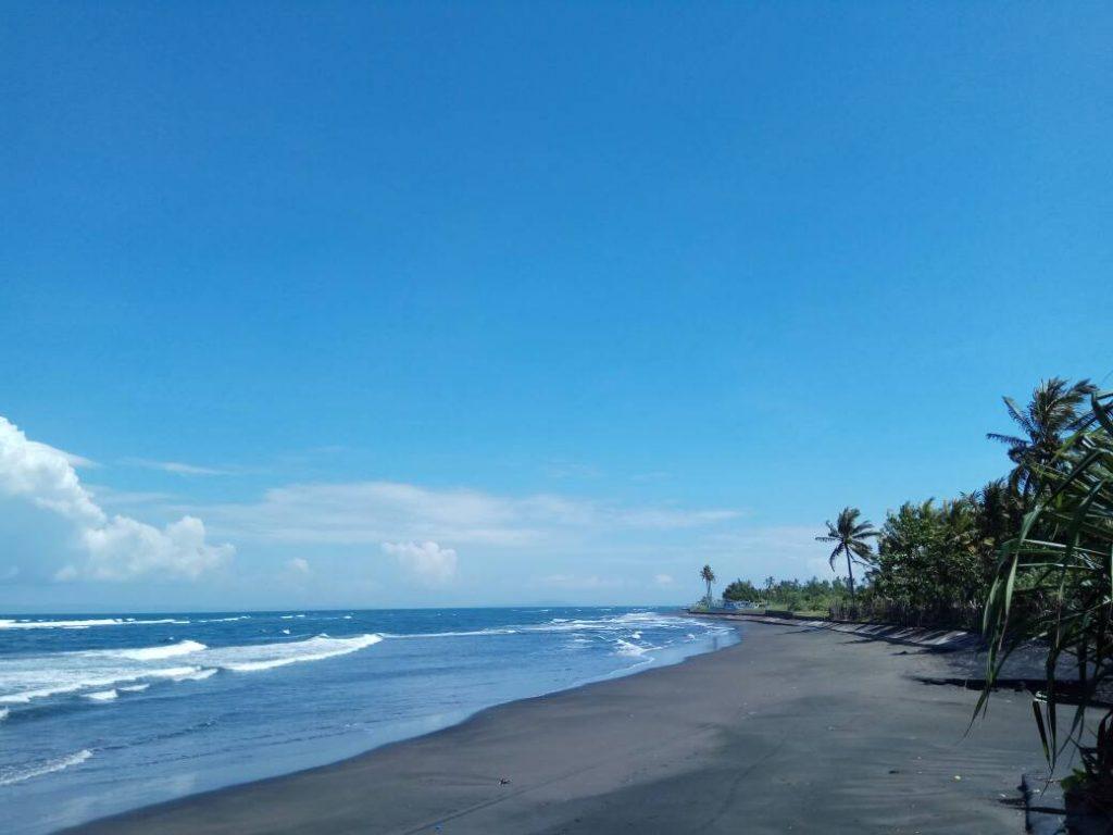 Indahnya pantai Ujung Perancak (Photo: Vera Indriani/ BD)