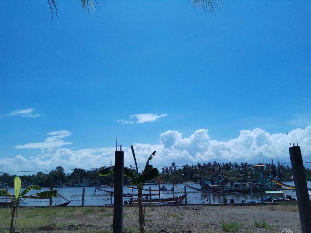 Pelabuhan perahu tradisional di pantai Ujung Perancak (Photo: Vera Indriani/ BD)